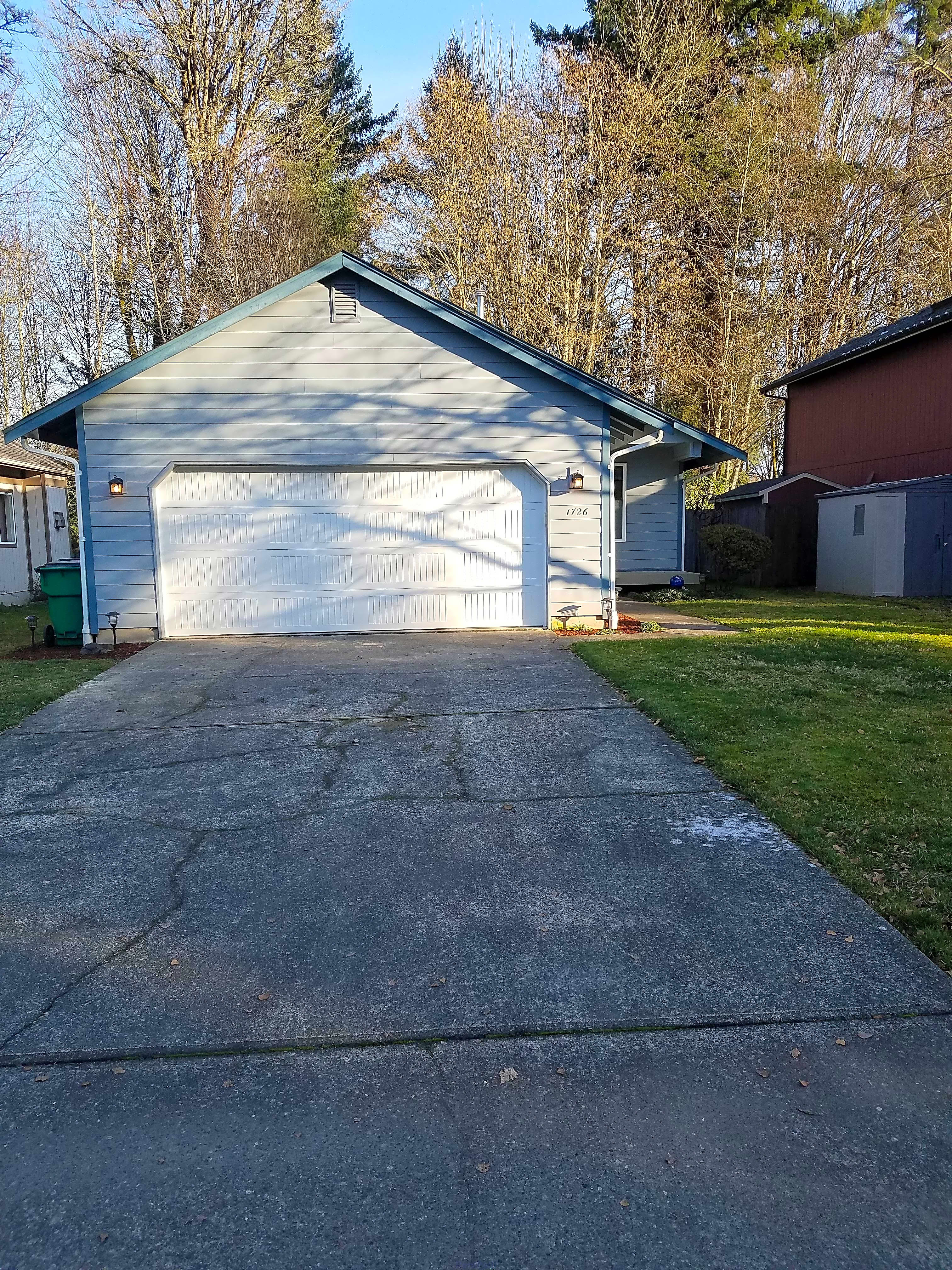Adorable 3 bedroom, 2 bath rambler in Olympia