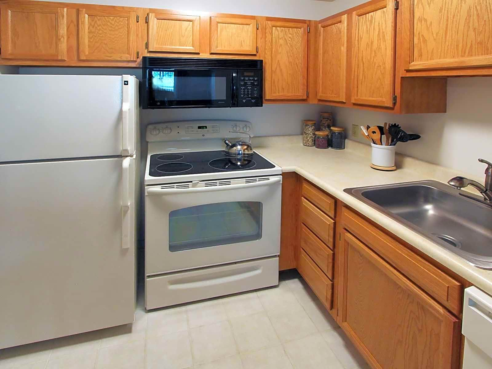 Apartments Near Siena Towne Towers for Siena College Students in Loudonville, NY