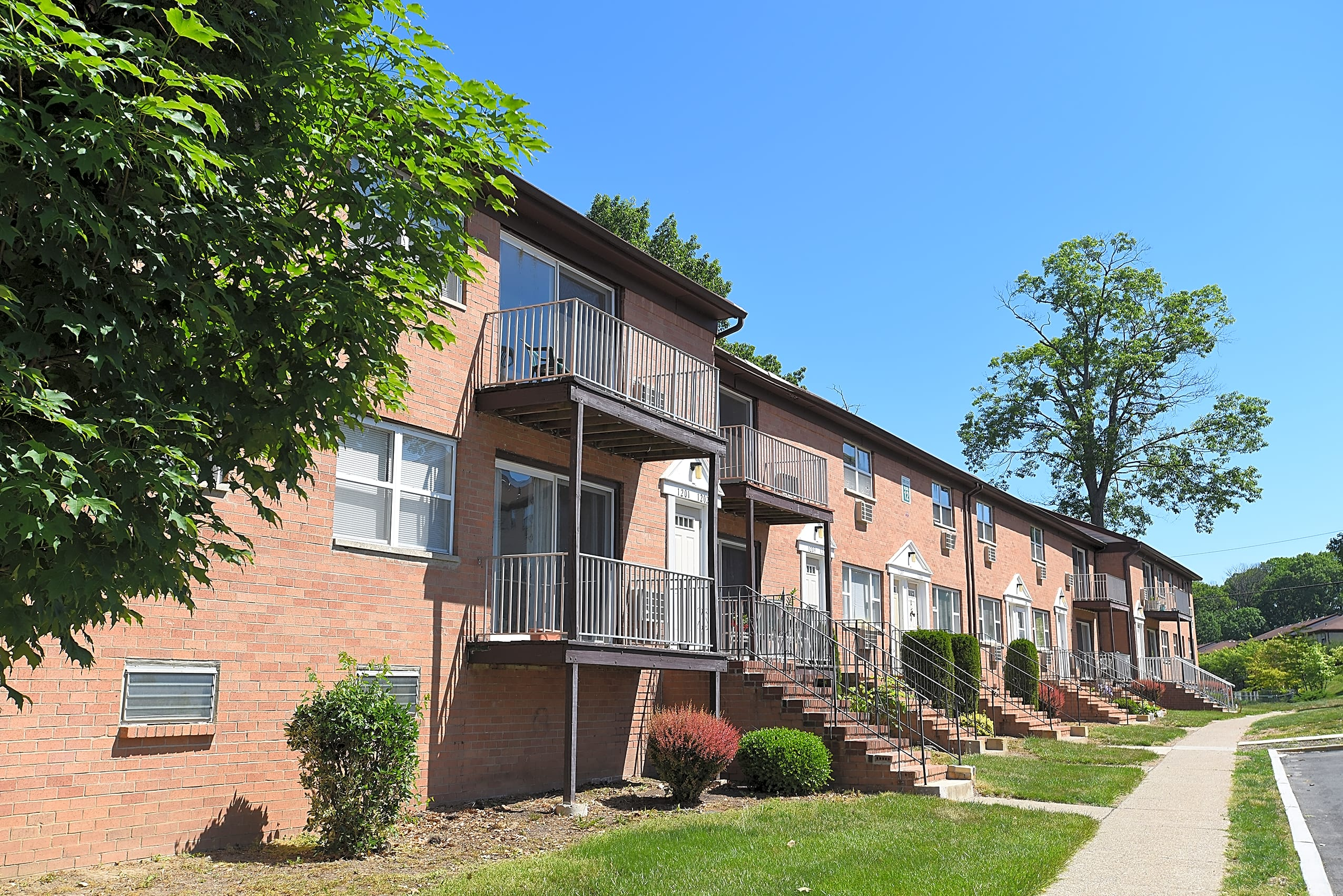 Apartments Near TCNJ Delaware Heights for College of New Jersey Students in Ewing, NJ