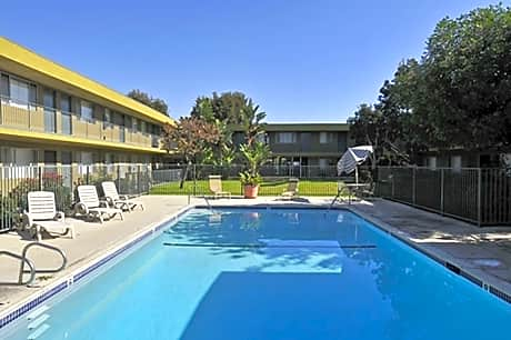 Country Woods Apartments for rent in Long Beach