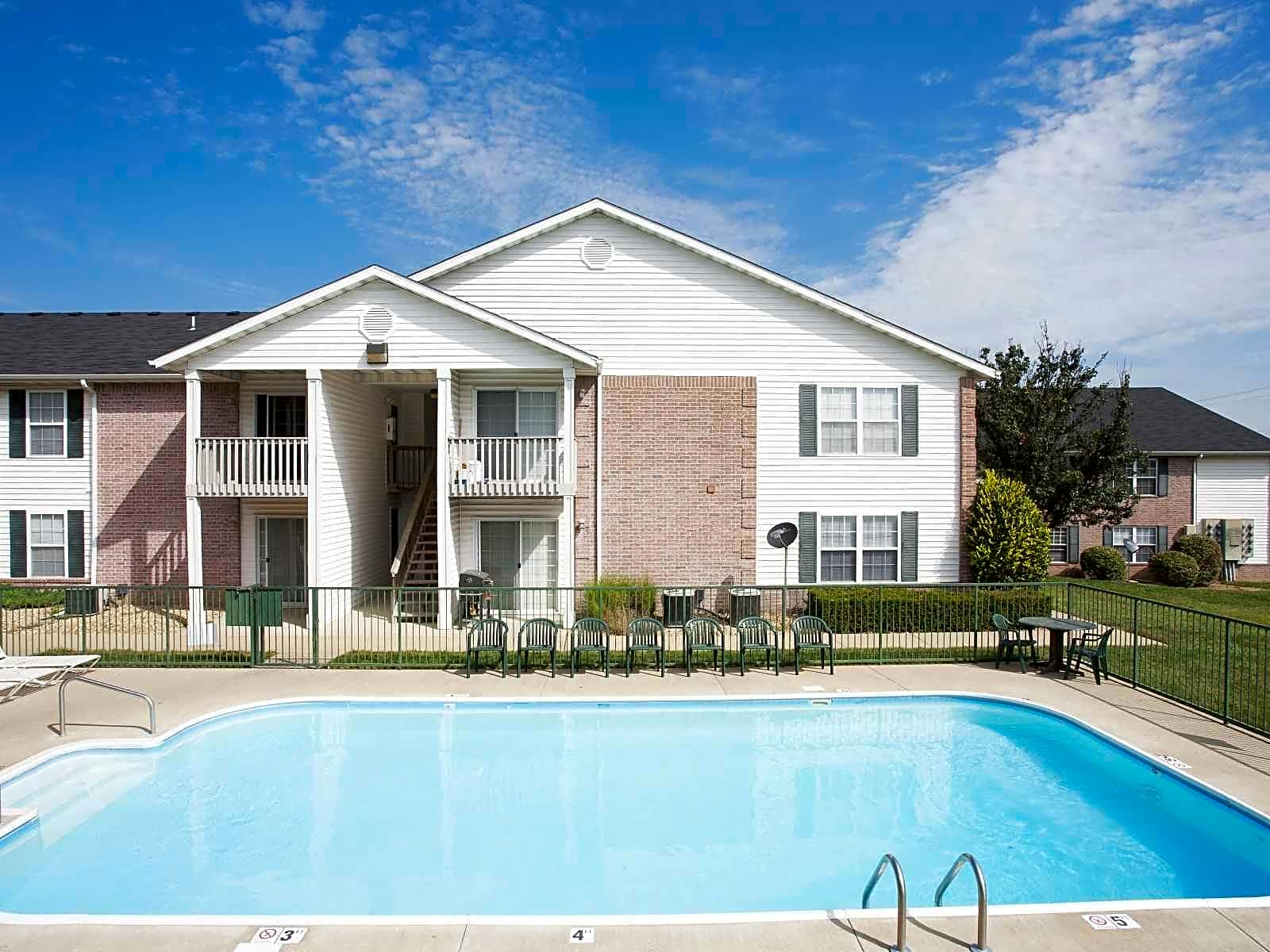 Ozark Plantation Apartments for rent in Ozark