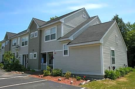 Woodland Commons for rent in Kittery