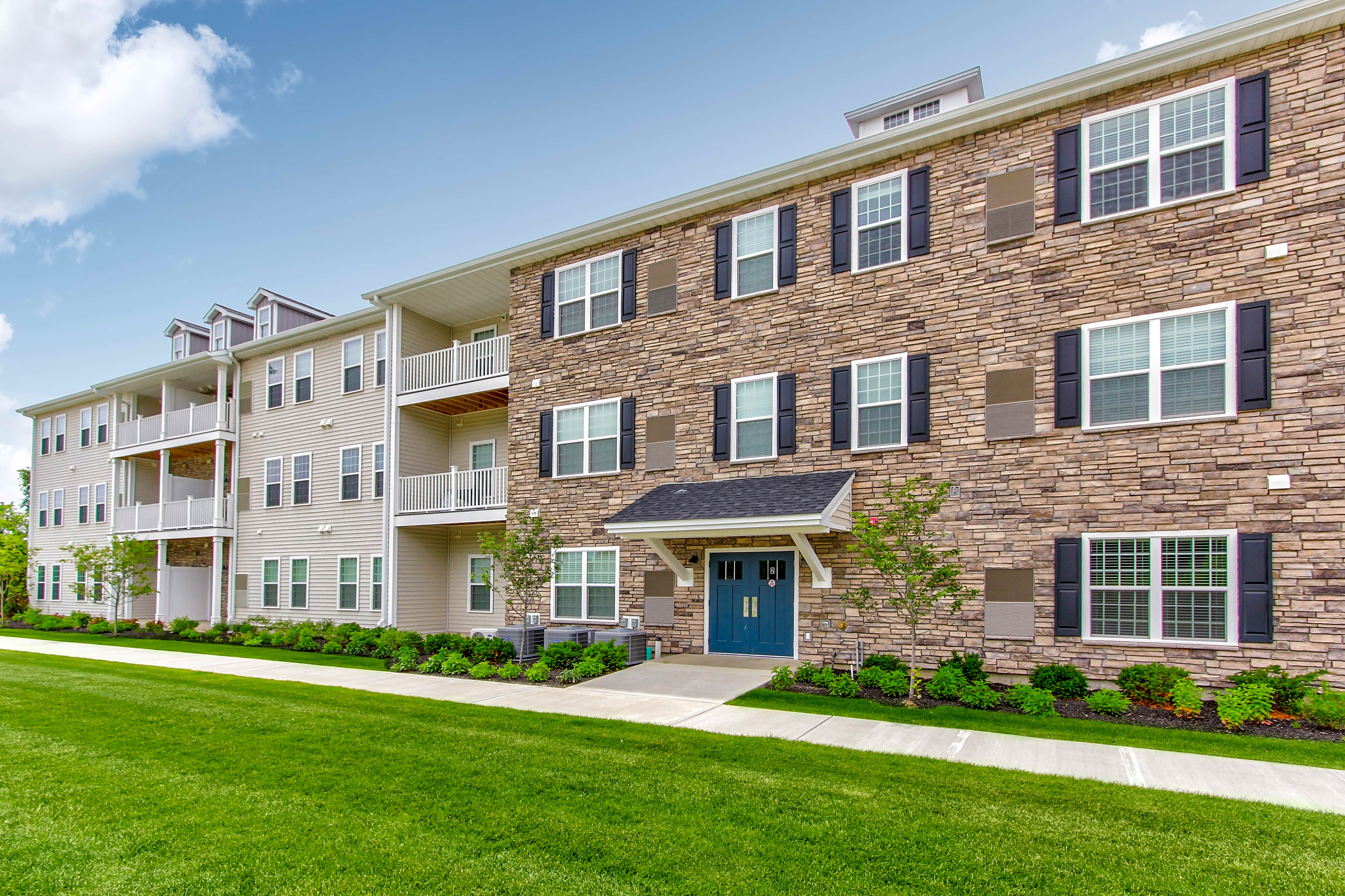Apartments Near Siena Schuyler Commons for Siena College Students in Loudonville, NY