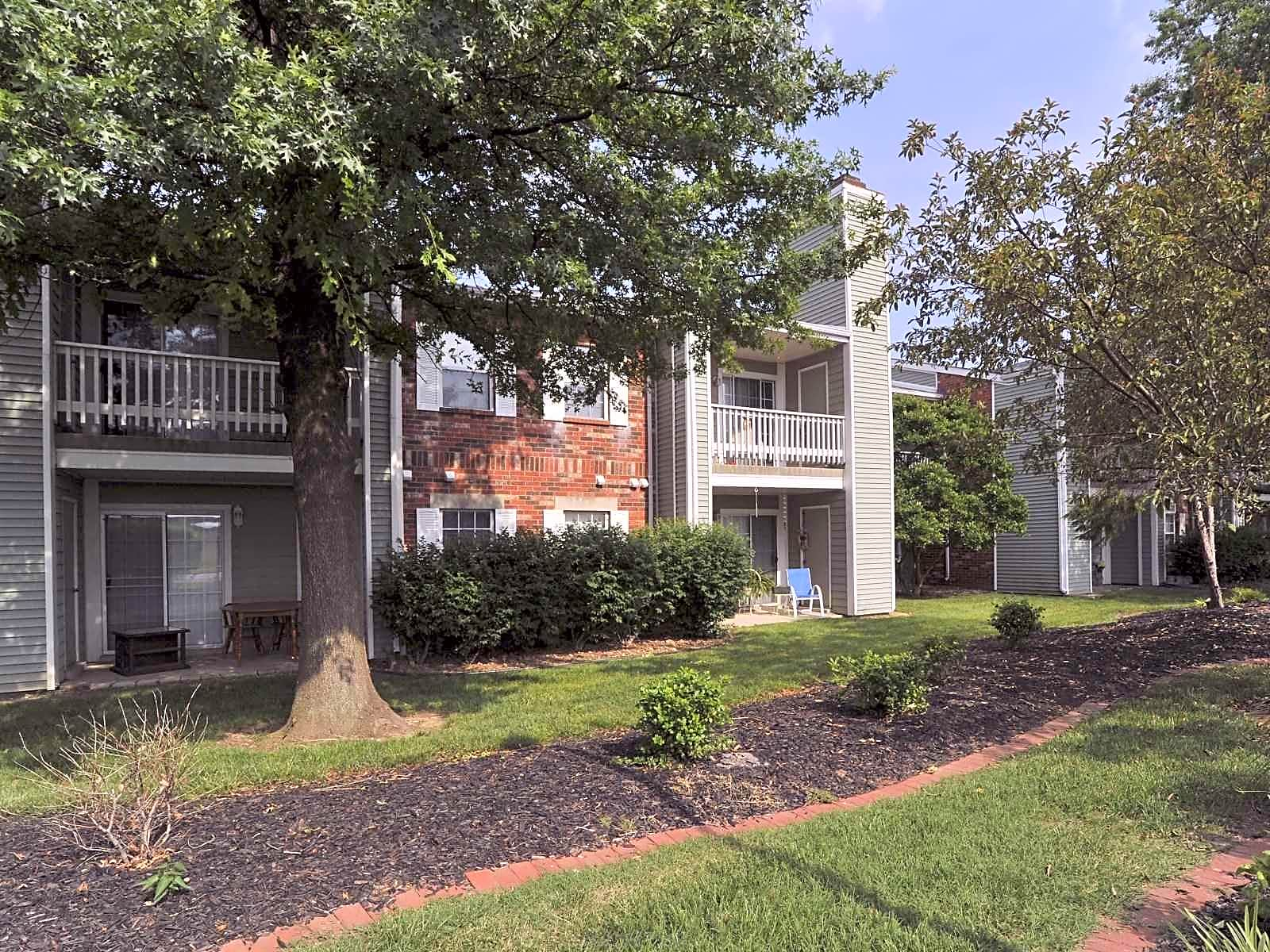 Apartments Near Ross Medical Education Center-Evansville Sugar Mill Creek for Ross Medical Education Center-Evansville Students in Evansville, IN