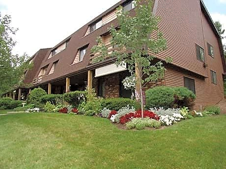 Brook Hill Village Apartments for rent in Rochester