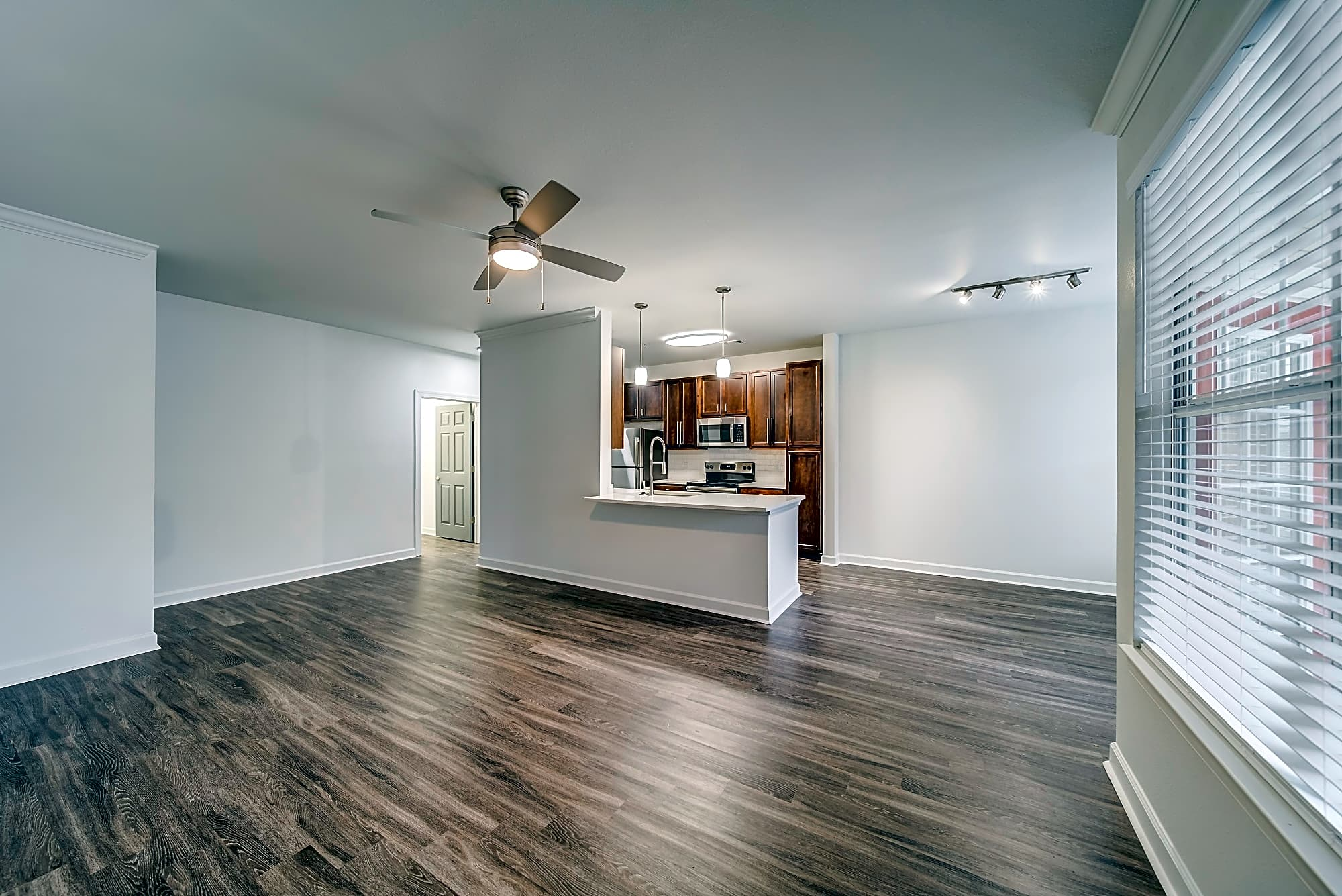 Apartments Near NC State Aventura Crossroads for North Carolina State University Students in Raleigh, NC