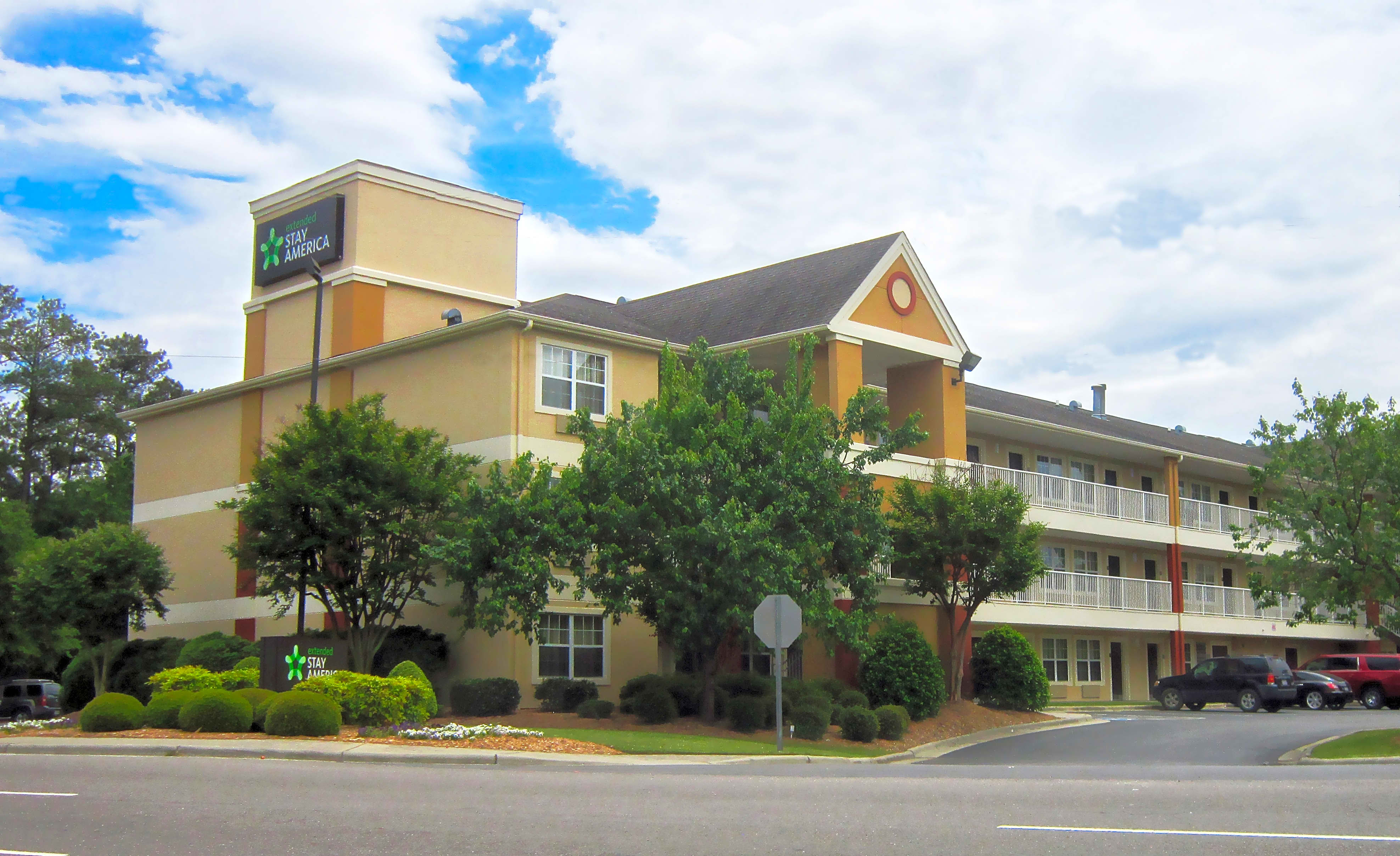 Apartments Near FSU Furnished Studio - Fayetteville - Owen Dr. for Fayetteville State University Students in Fayetteville, NC