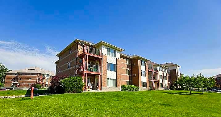 Harbor View Village Apartments St Francis Wi