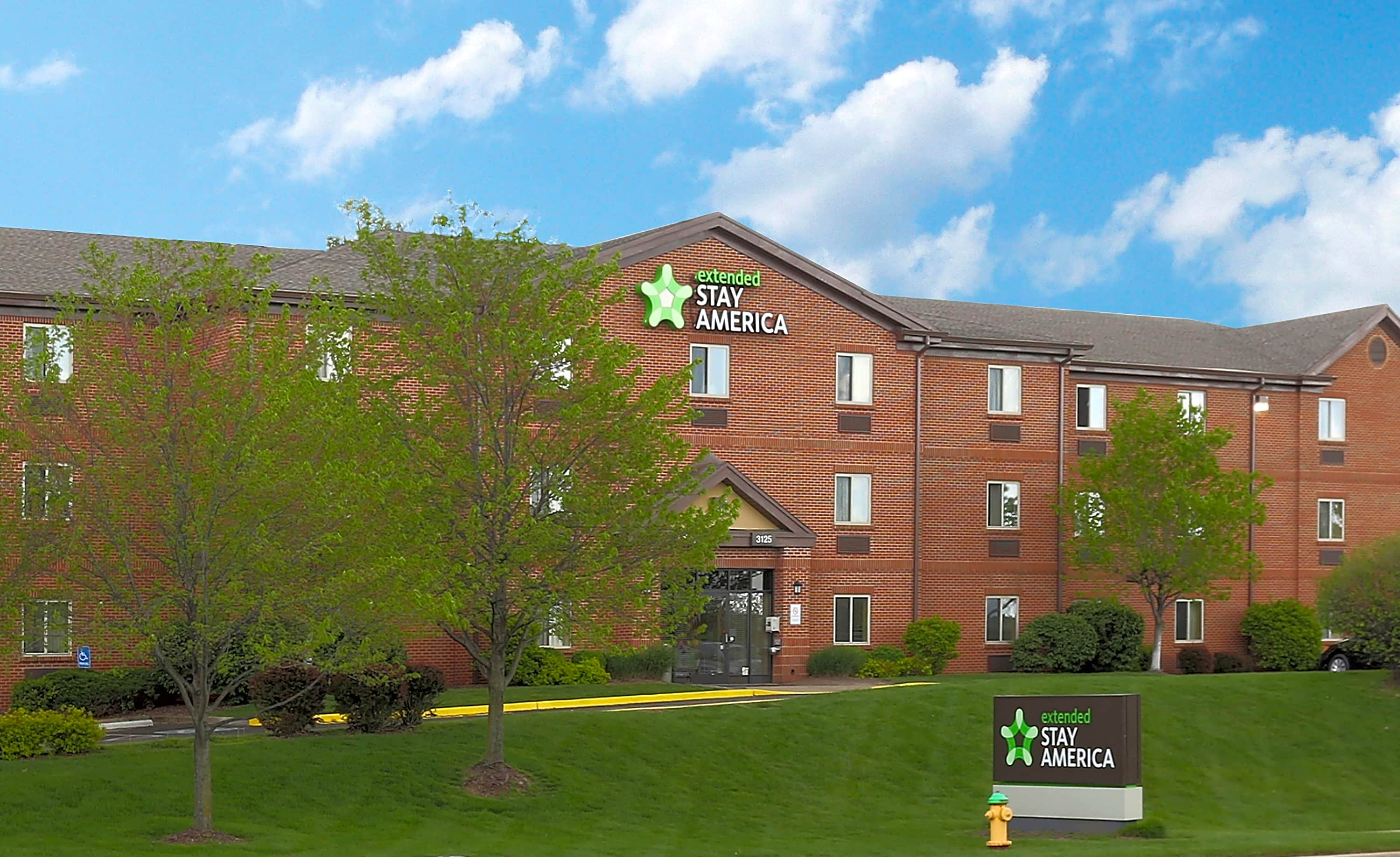 Apartments Near Lindenwood Furnished Studio - St. Louis - Earth City for Lindenwood University Students in Saint Charles, MO