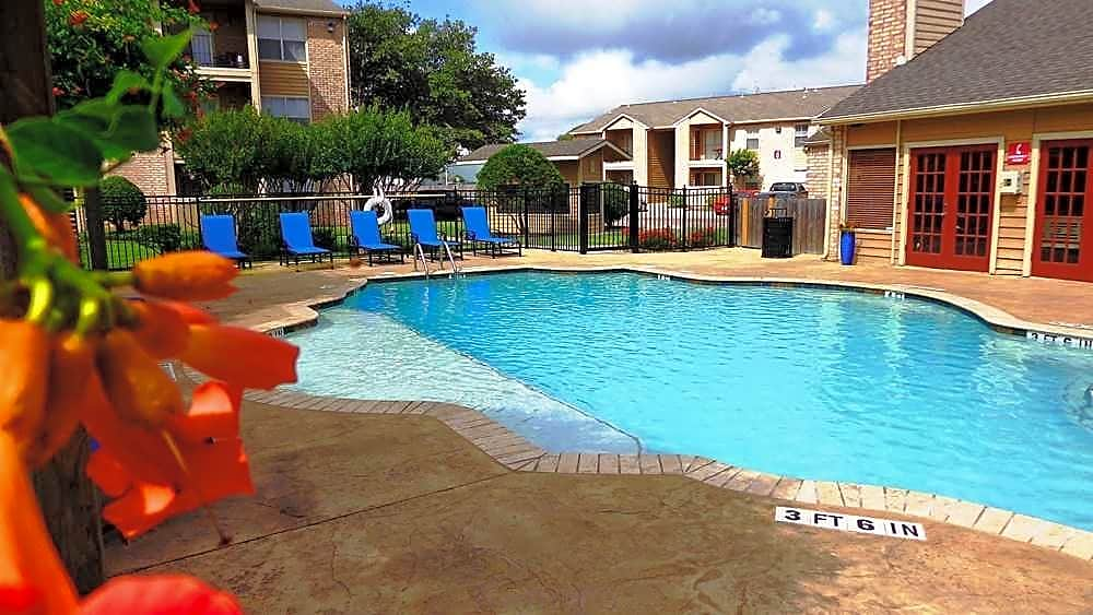 Christiwood for rent in Corpus Christi