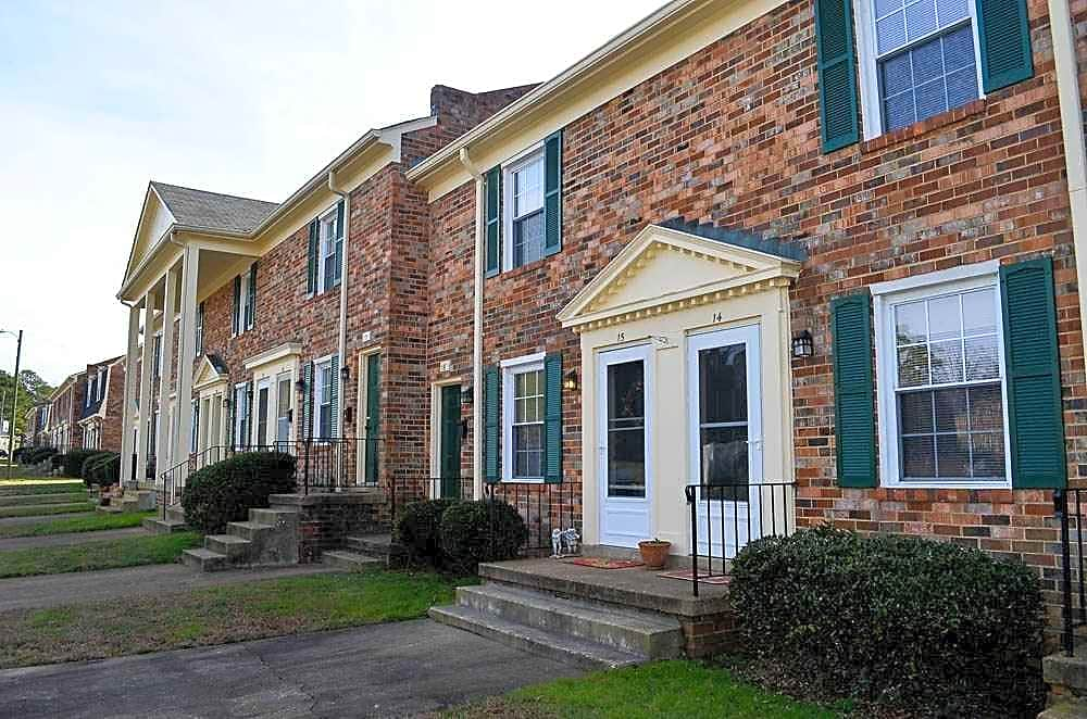 Swansboro Hills Apartments
