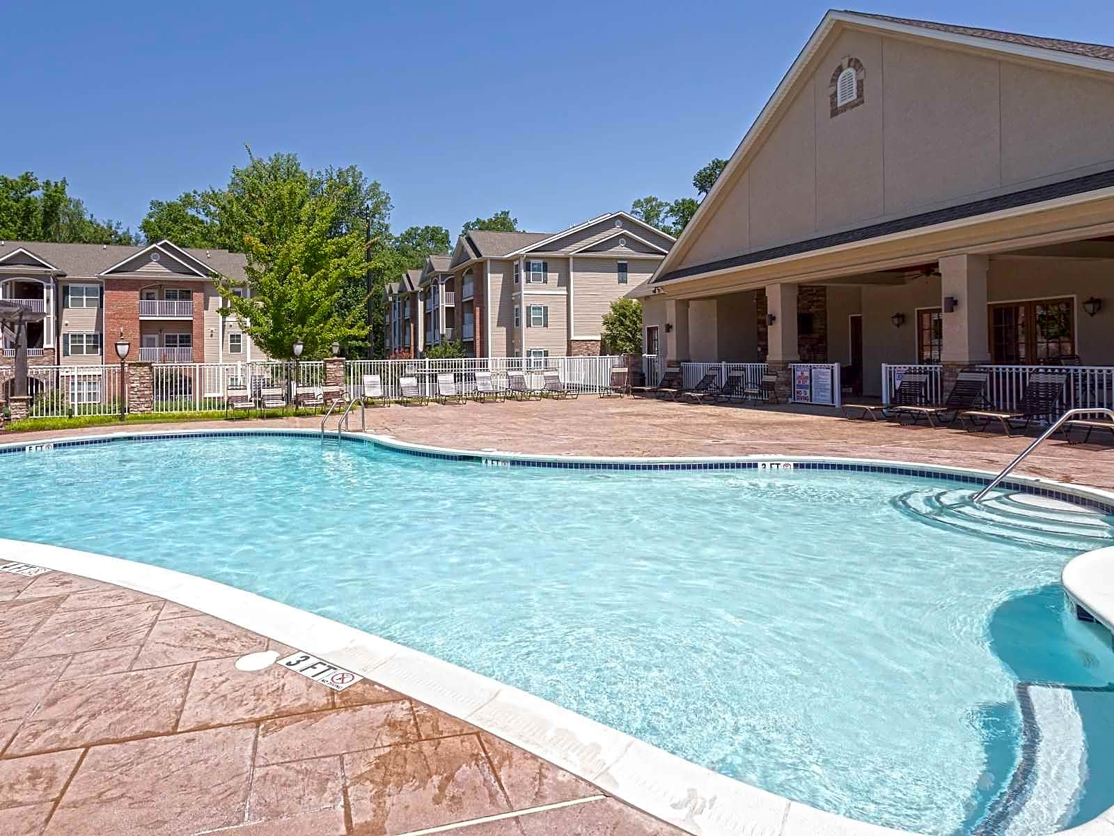 Apartments Near Fayetteville Cliff Creek Apartments for Fayetteville Students in Fayetteville, NC