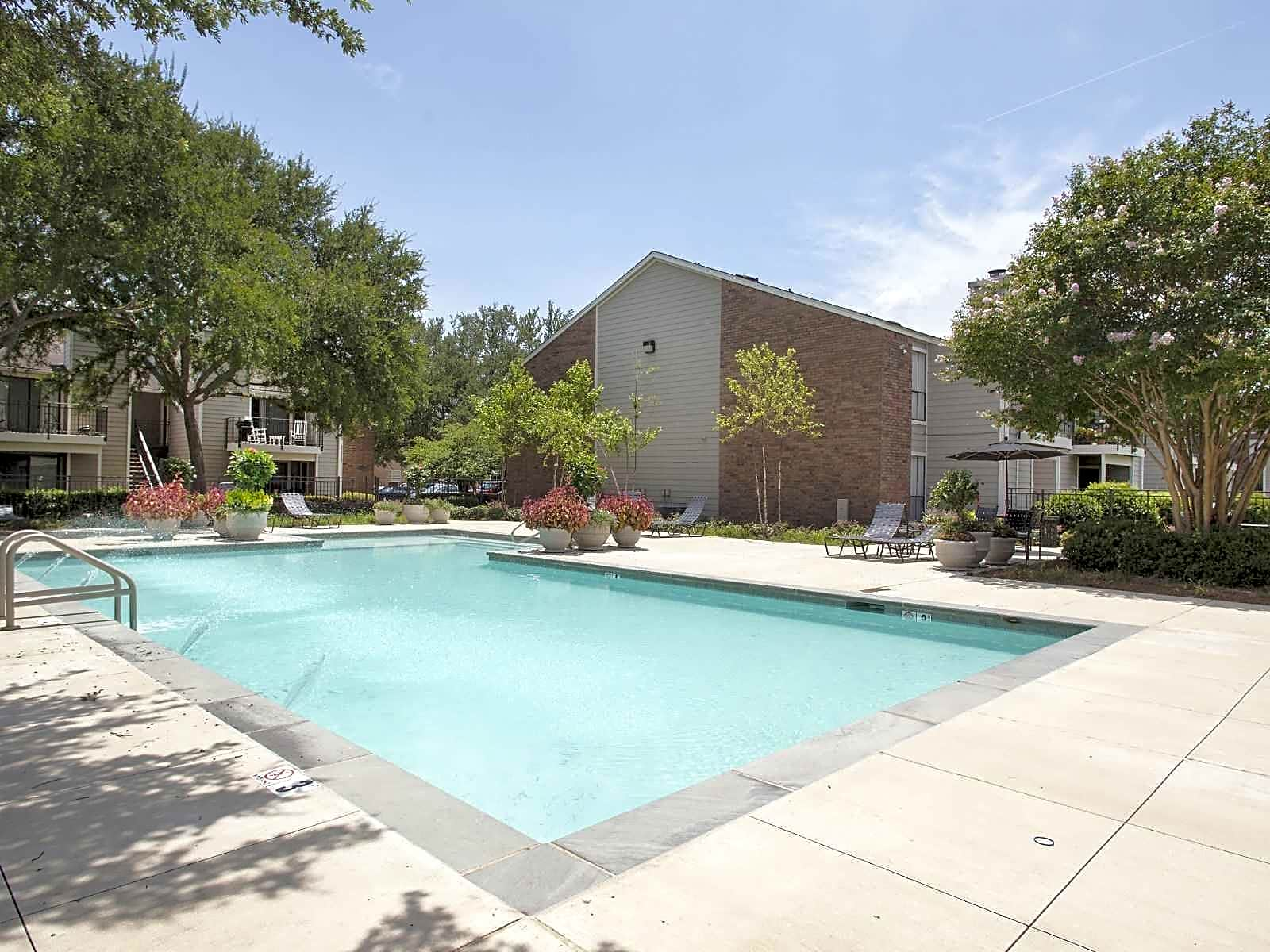 Apartments Near LSUS Raintree Apartments for Louisiana State University in Shreveport Students in Shreveport, LA