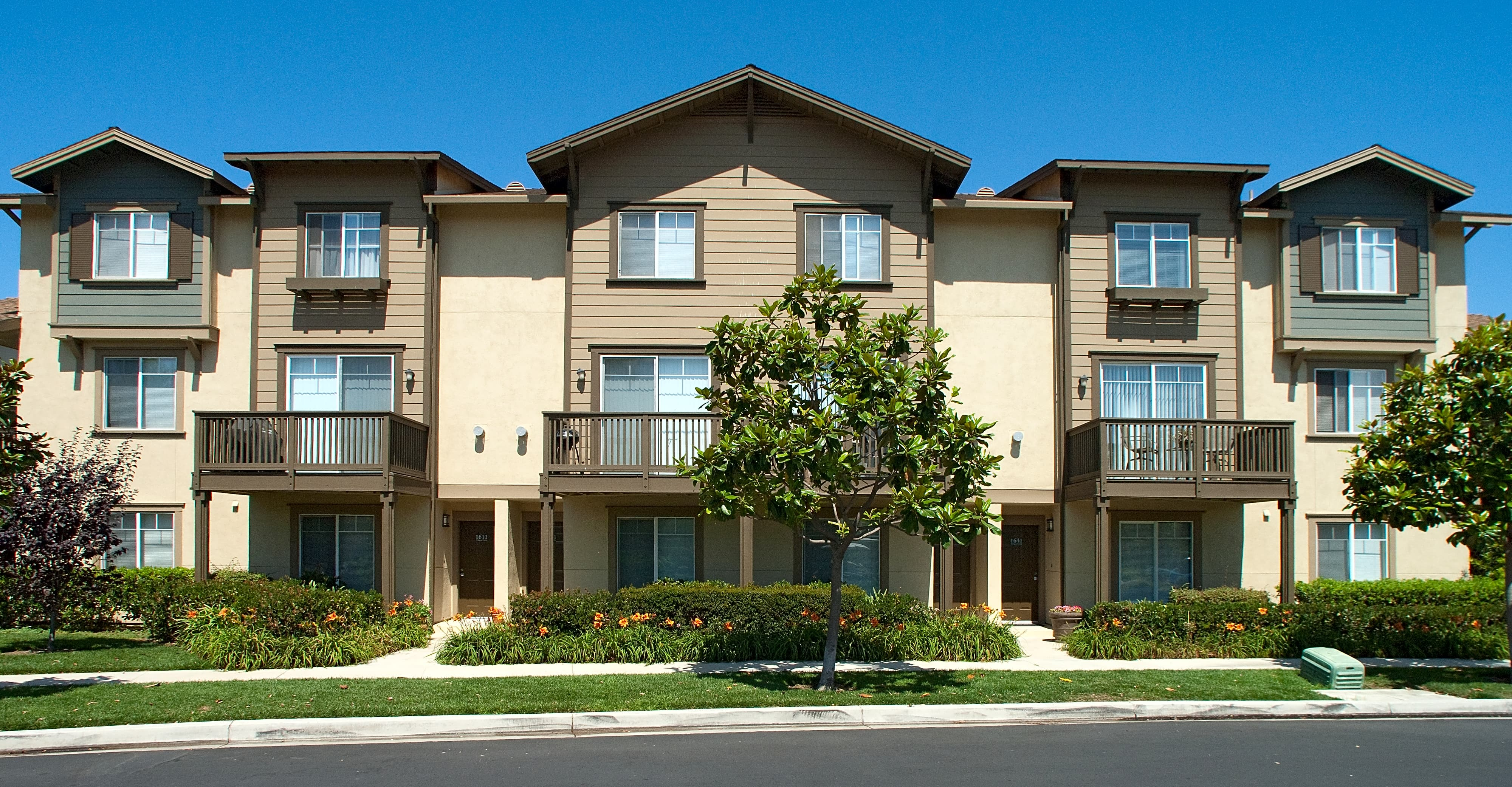 Photo: Oxnard Apartment for Rent - $2309.00 / month; 3 Bd & 2 Ba