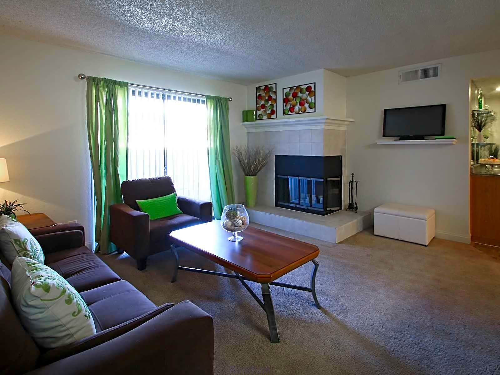 Apartments Near UNLV Rancho Mirage for University of Nevada-Las Vegas Students in Las Vegas, NV