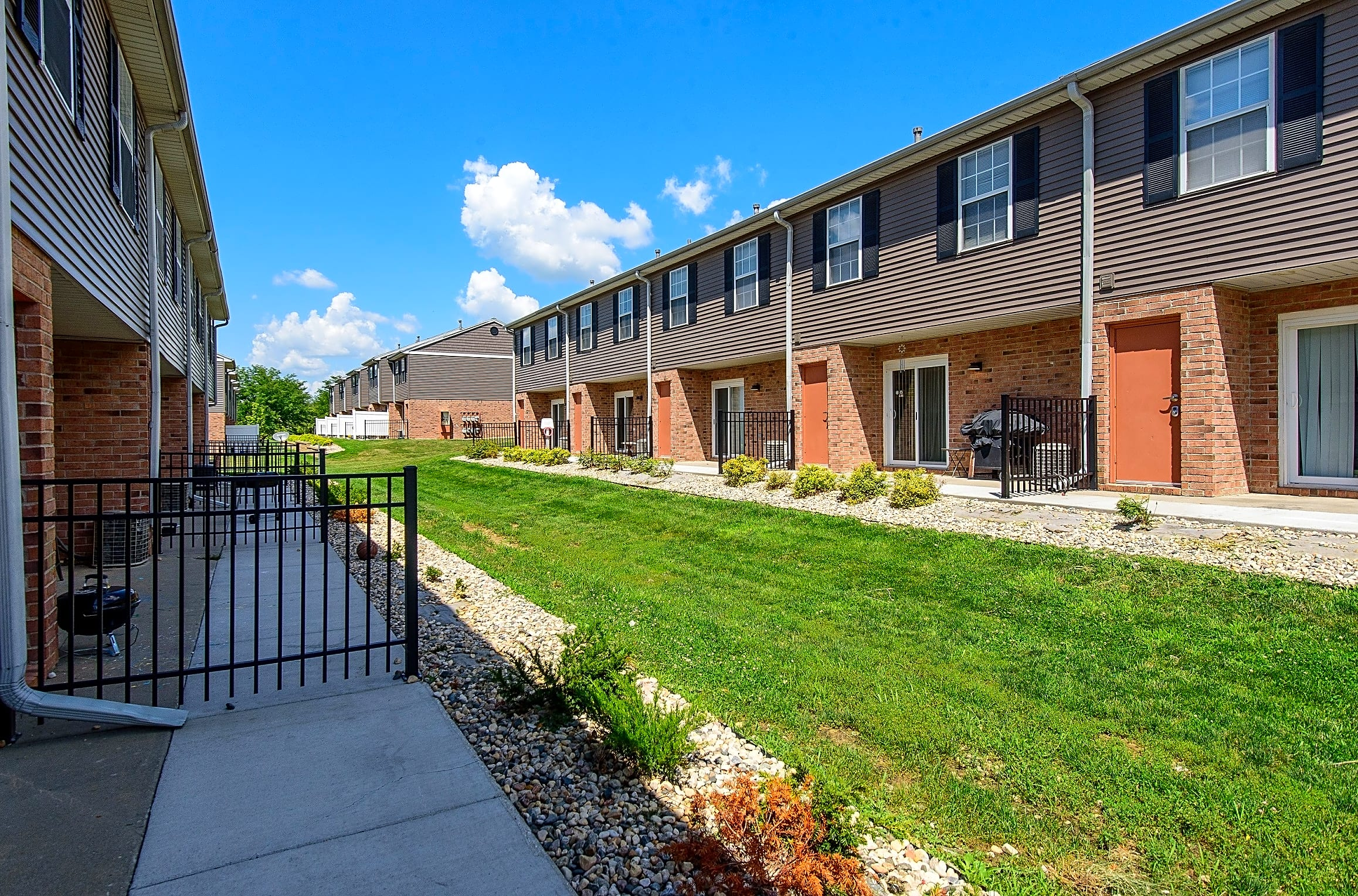 Legacy Crossing Off-Campus Creighton Housing | College Rentals