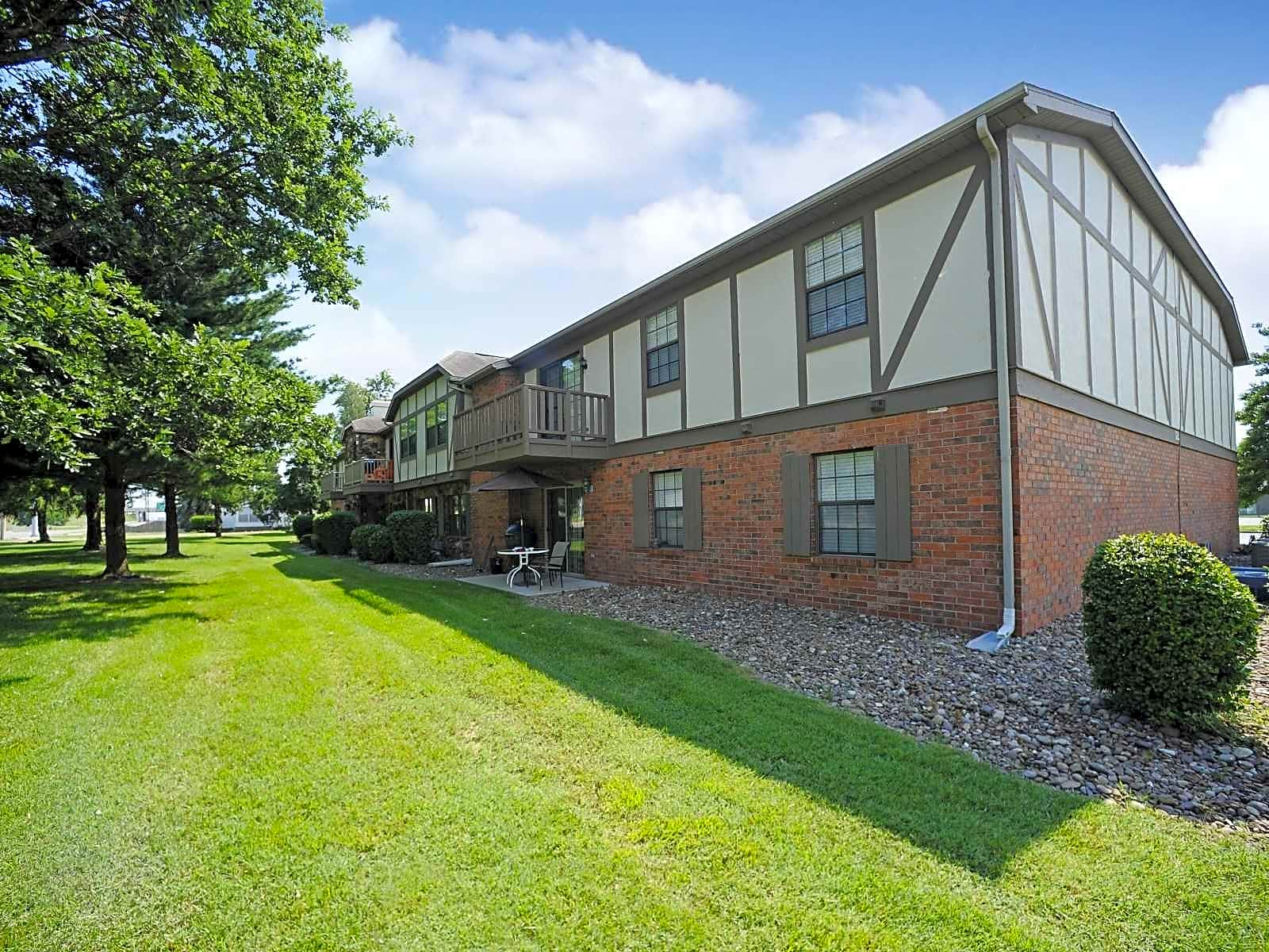 Photo: Evansville Apartment for Rent - $880.00 / month; 3 Bd & 2 Ba