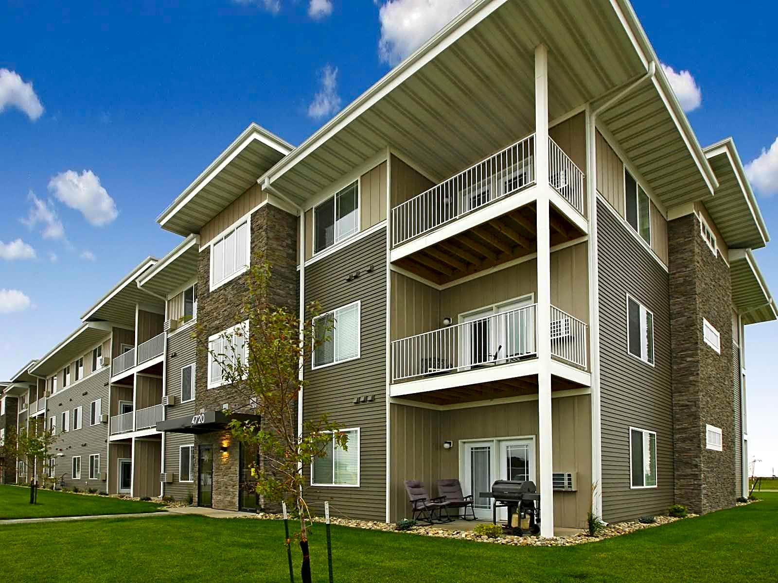 Apartments Near NDSU Timber Creek Apartments for North Dakota State University Students in Fargo, ND