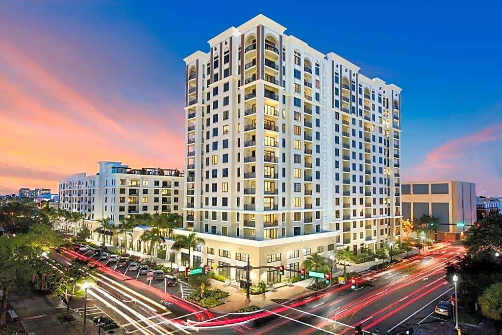 Apartments Near Eckerd Icon Central Apartments for Eckerd College Students in Saint Petersburg, FL