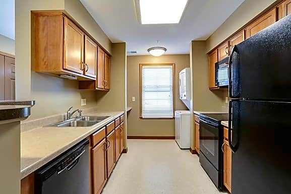 1 Bedroom Unit - Kitchen and In-Unit Laundry - All Appliances Included