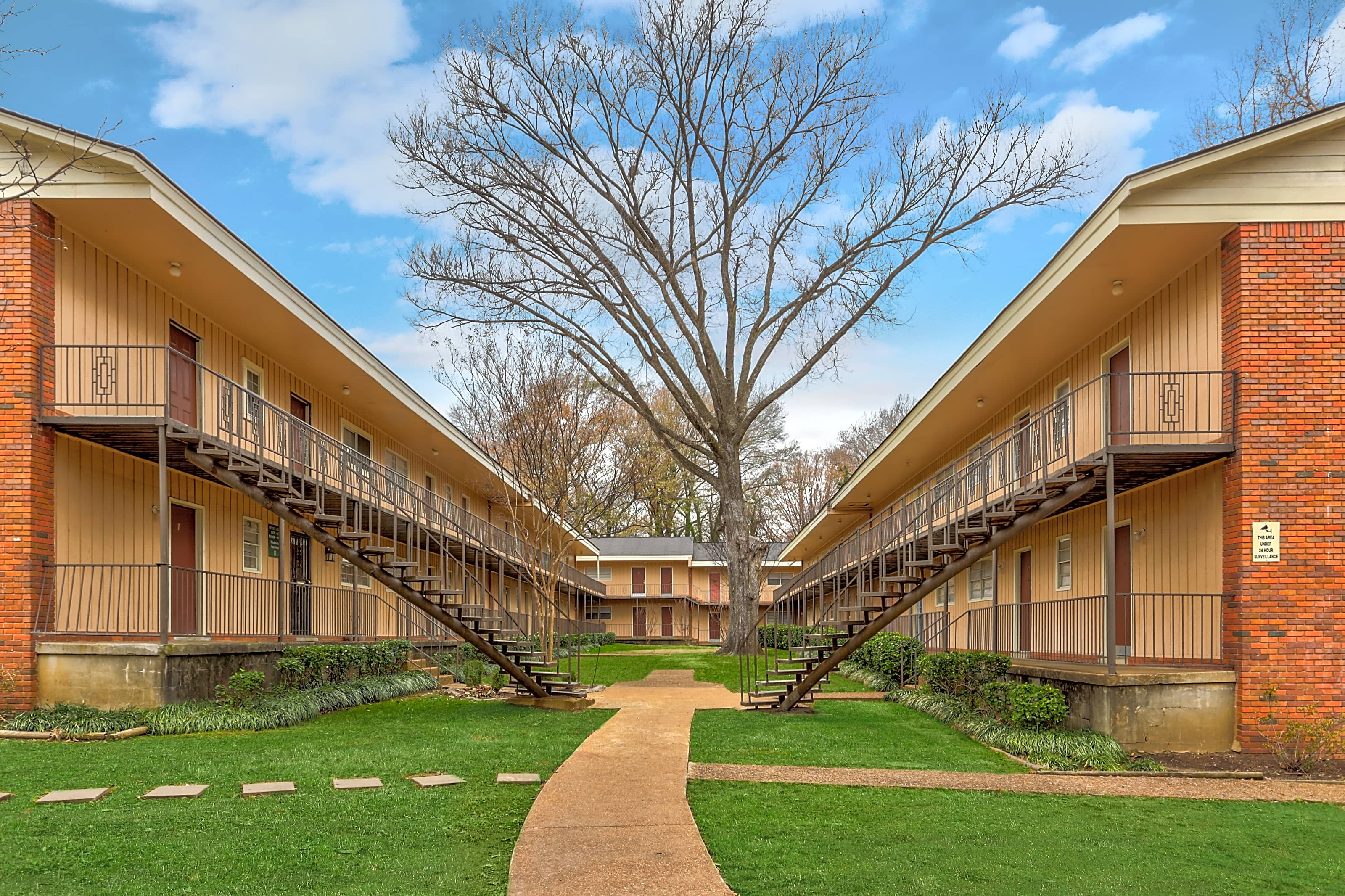 Apartments Near Rhodes Merton Manor Apartments for Rhodes College Students in Memphis, TN