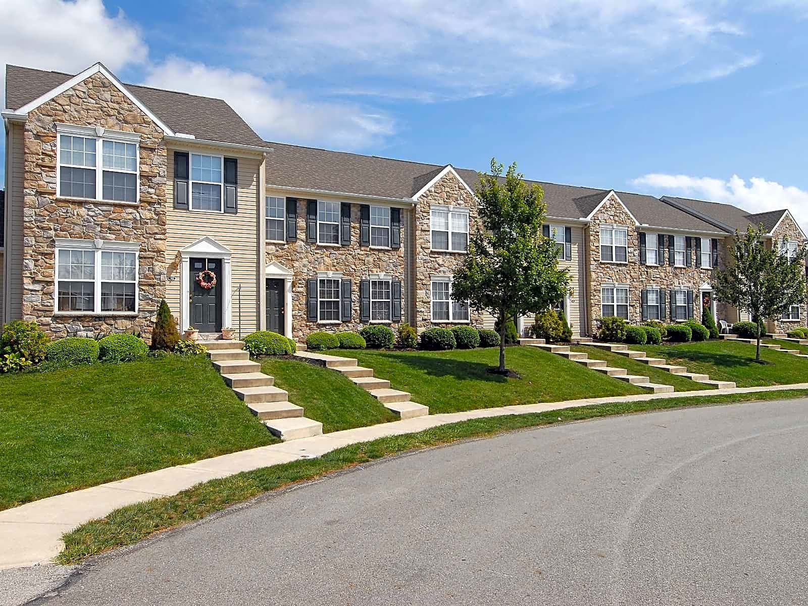 Windsor Commons Townhomes Apartments - Red Lion, PA 17356