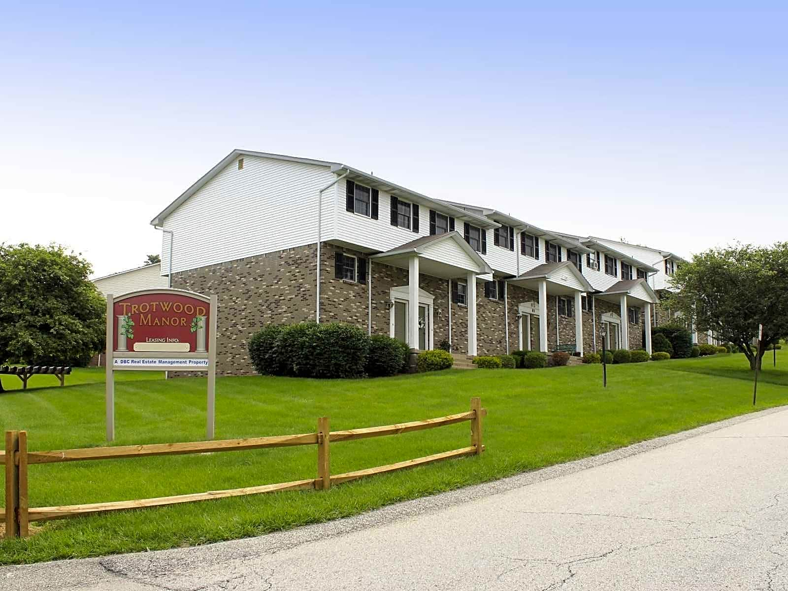 Apartments Near Seton Hill Trotwood Manor for Seton Hill University Students in Greensburg, PA