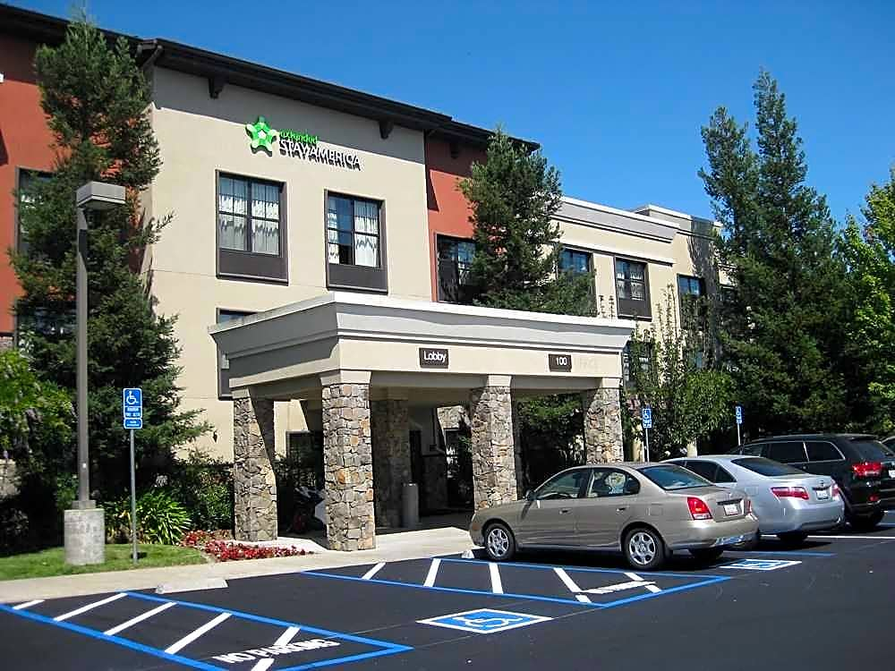 Apartments Near PUC Furnished Studio - Santa Rosa - North for Pacific Union College Students in Angwin, CA