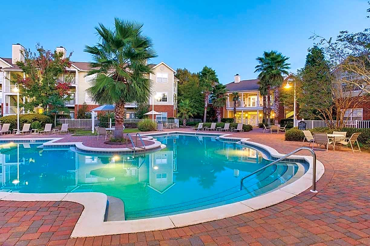 Apartments Near UWF Governors Gate for University of West Florida Students in Pensacola, FL