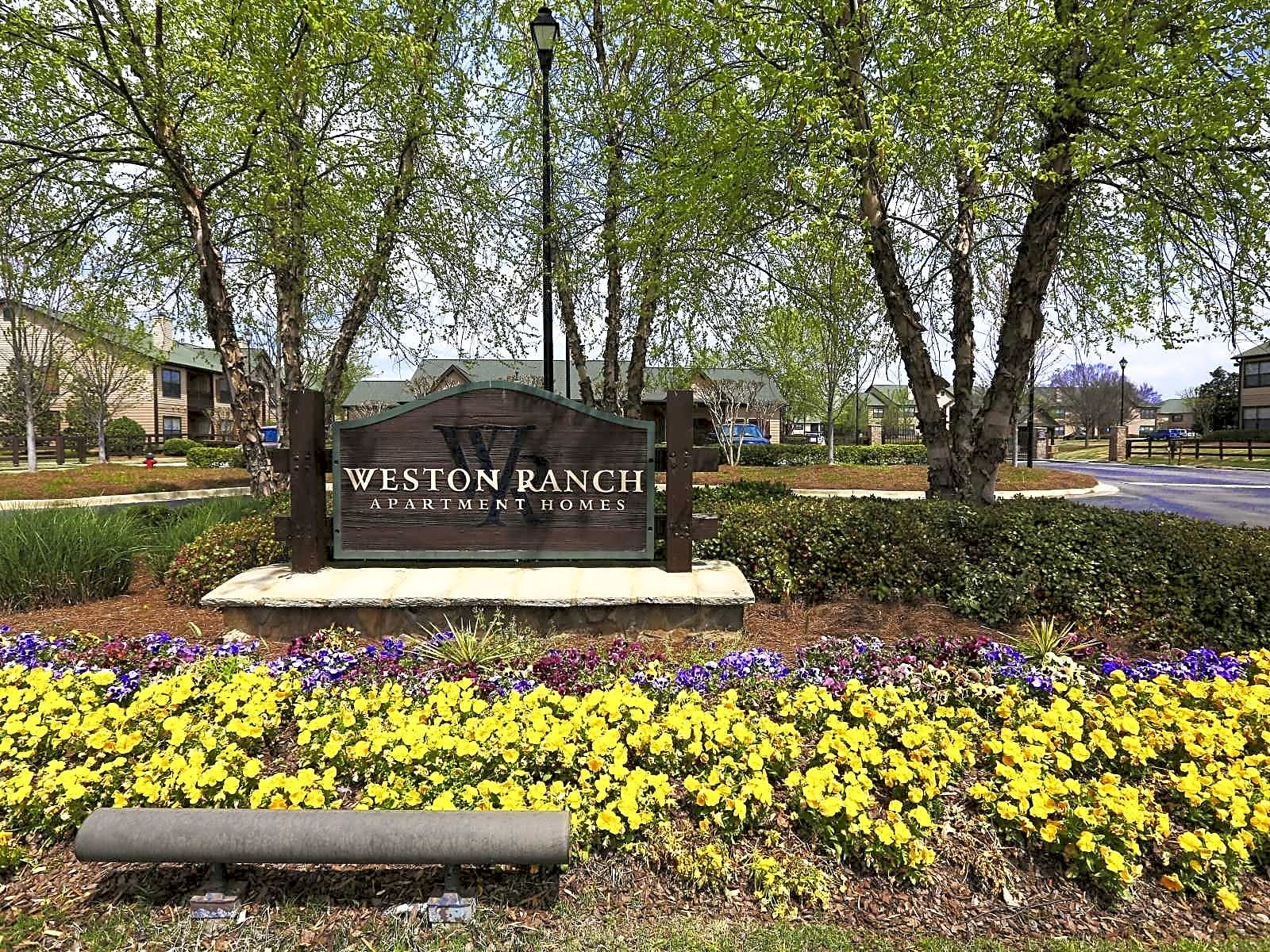 Apartments Near Athens State Weston Ranch for Athens State University Students in Athens, AL