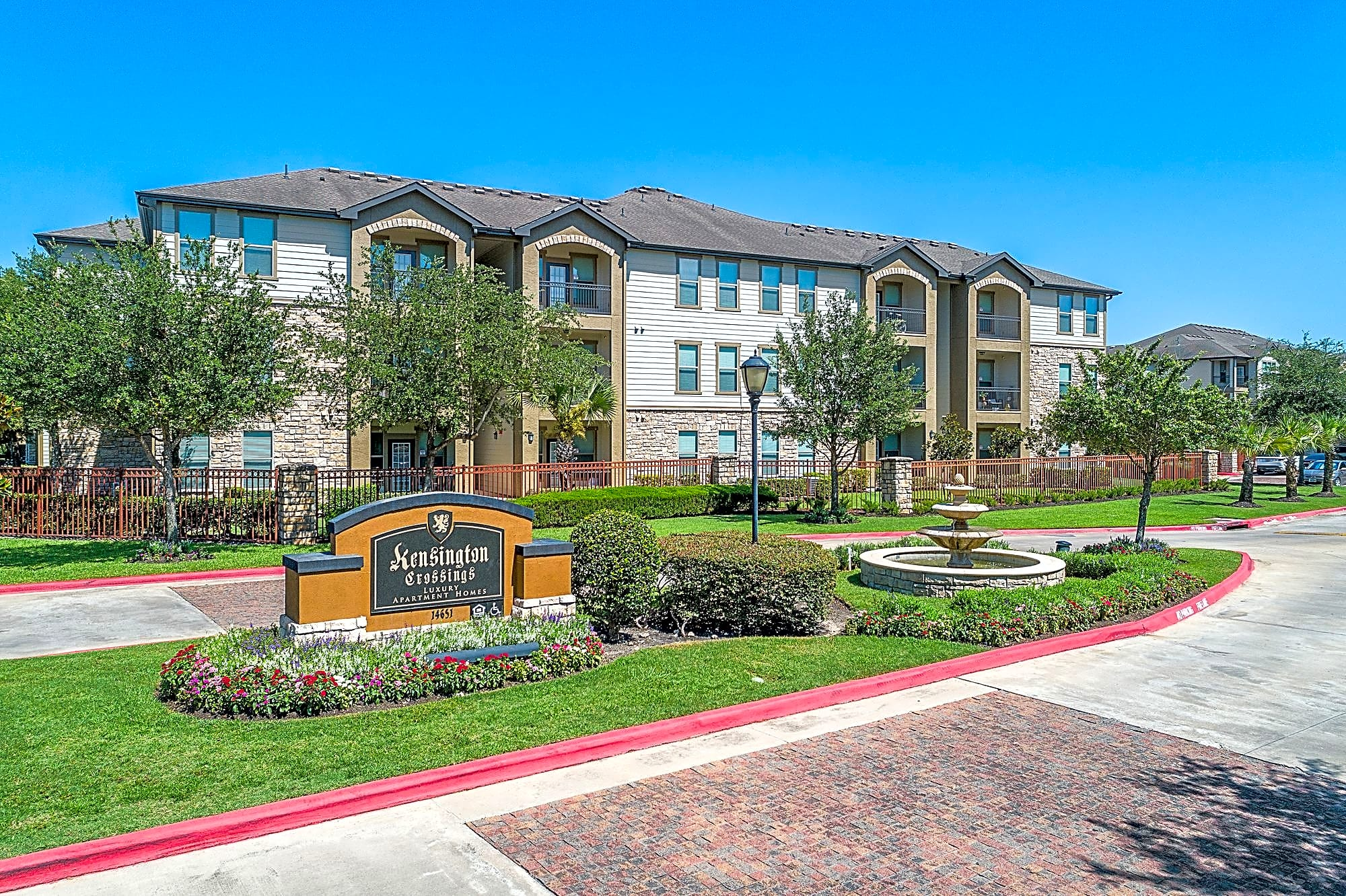 Apartments Near Strayer University-Northwest Houston Kensington Crossings for Strayer University-Northwest Houston Students in Houston, TX