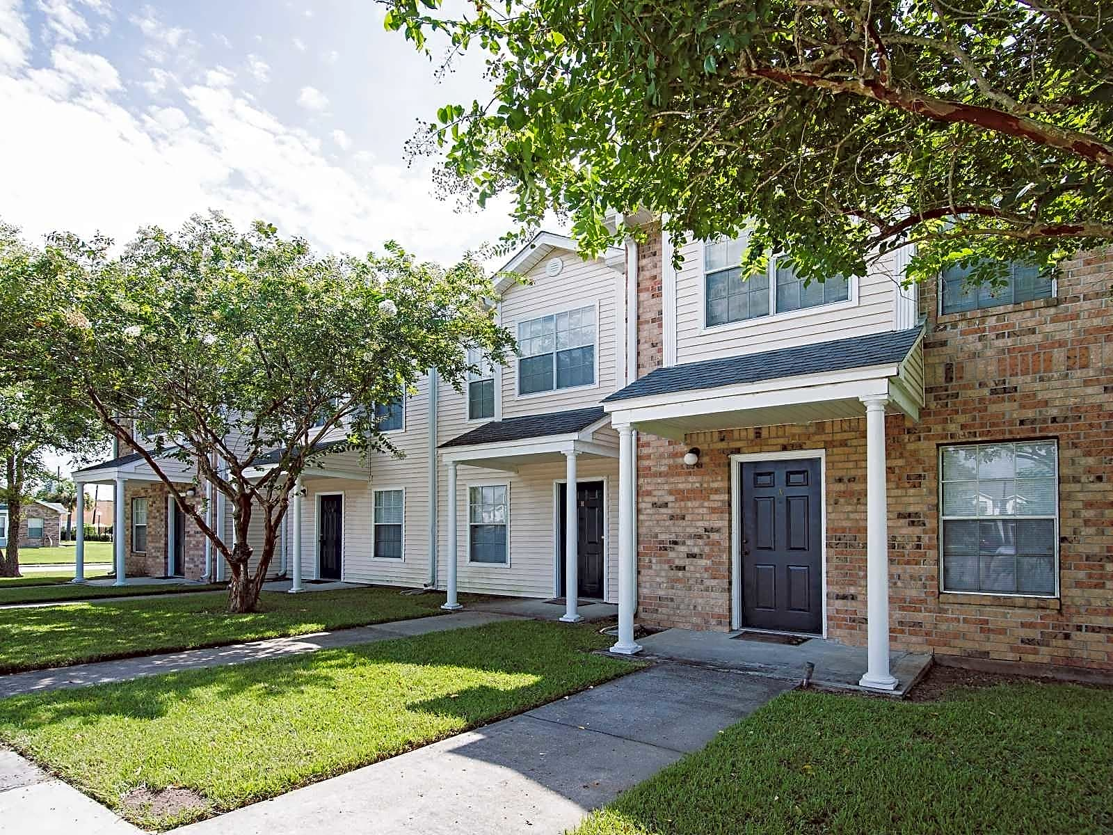 Apartments Near Nicholls Turnberry Townhomes for Nicholls State University Students in Thibodaux, LA