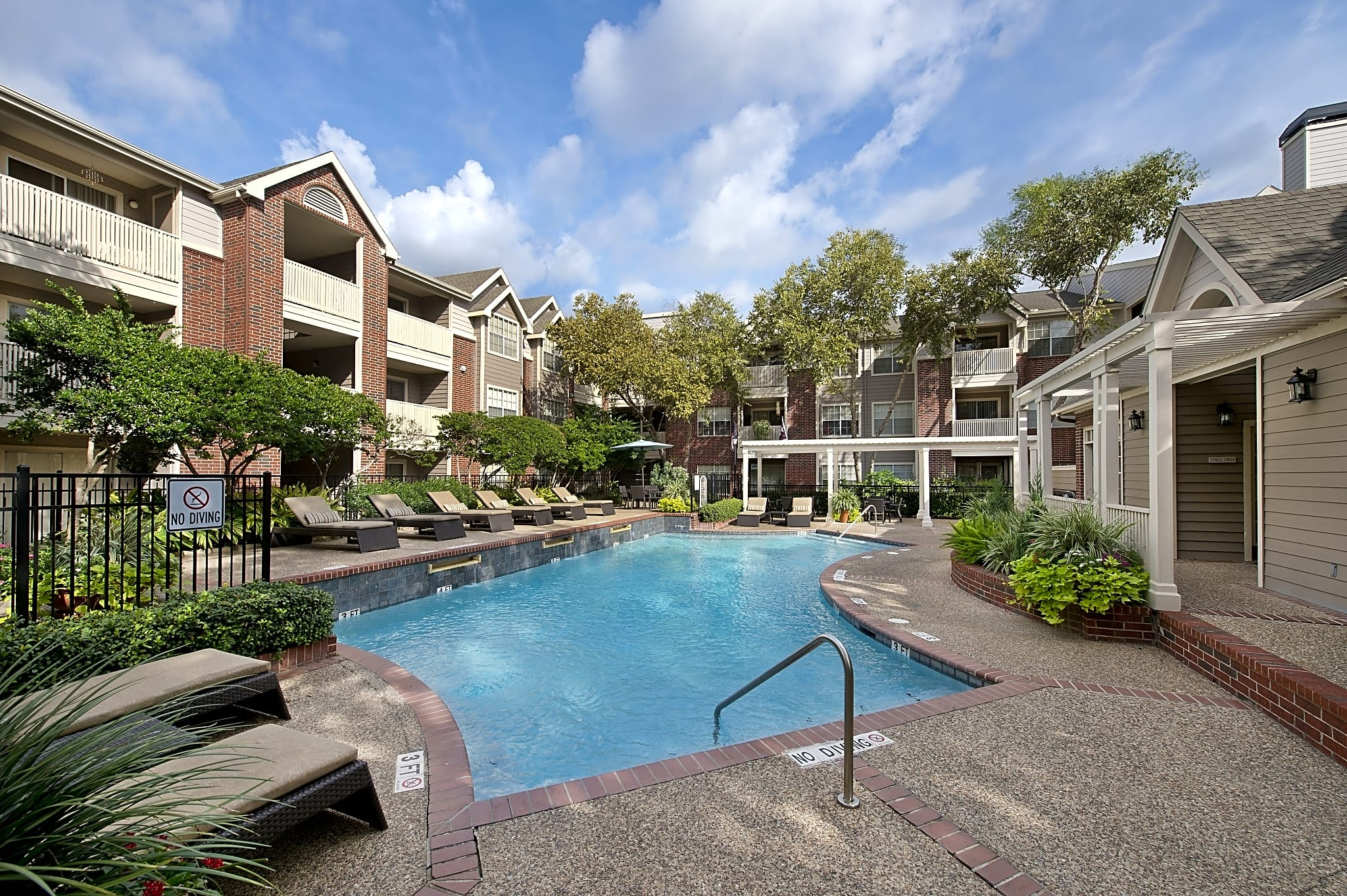 Waterford Square Apartments Houston