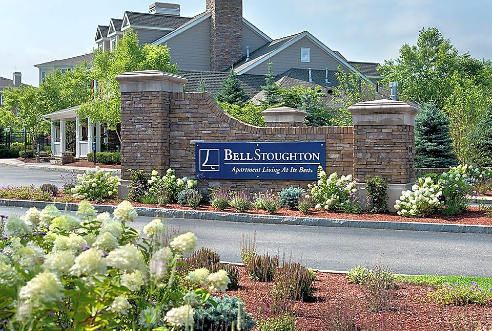 Apartments Near Stonehill Bell Stoughton for Stonehill College Students in Easton, MA