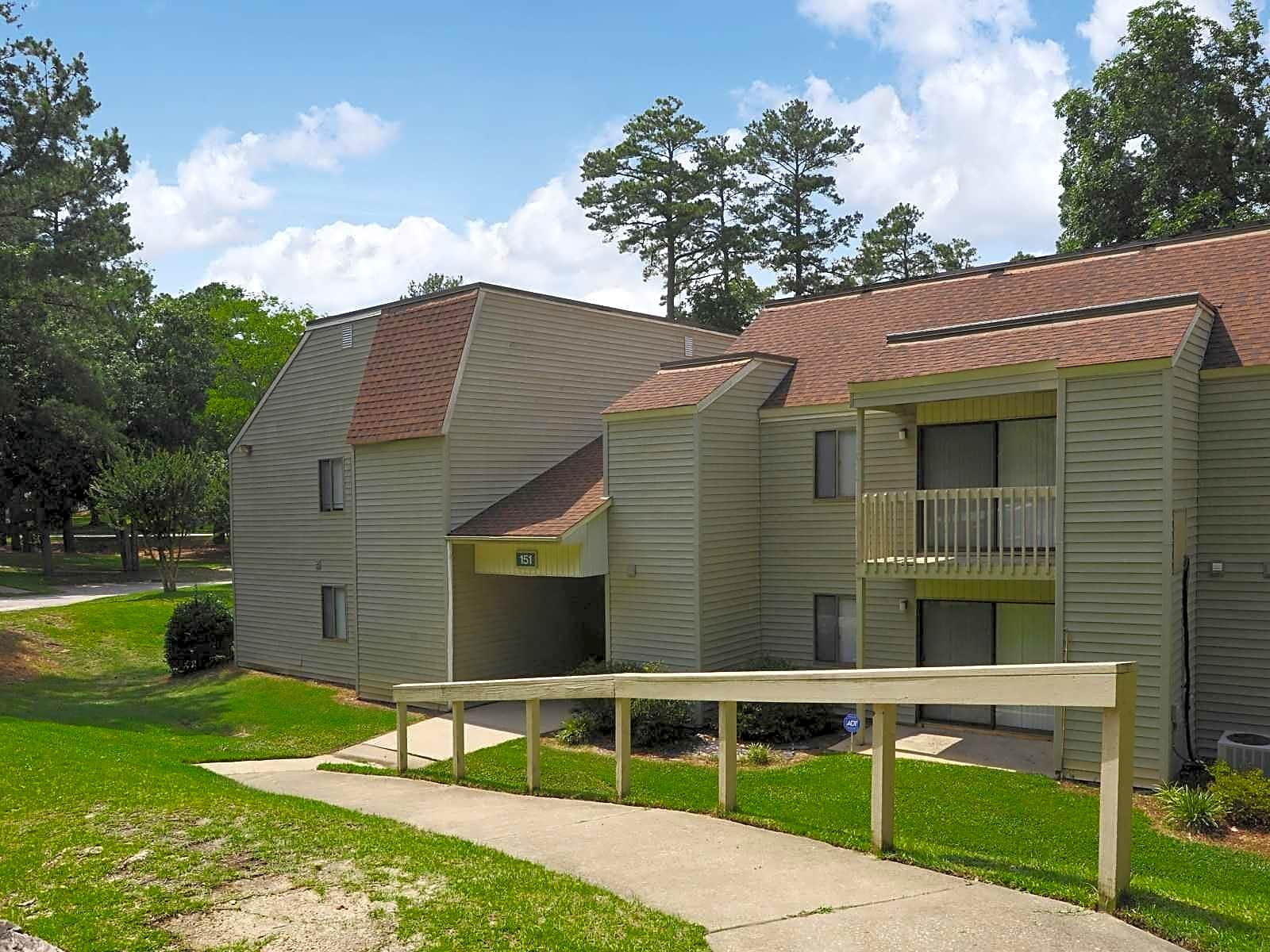 Spring Trace Senior Apartment