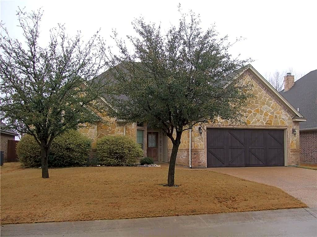 House for Rent in Aledo
