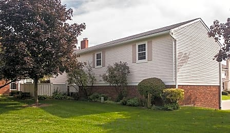 Condo for Rent in Northville