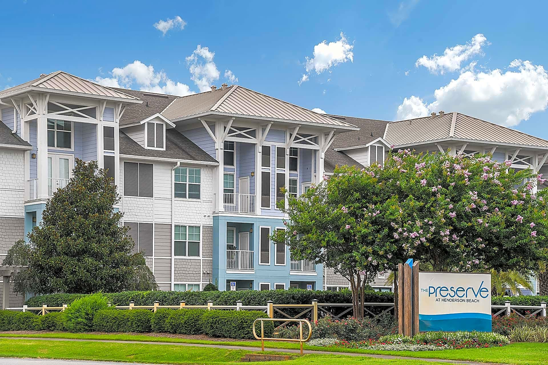 Apartments Near NWF State The Preserve at Henderson Beach for Northwest Florida State College Students in Niceville, FL