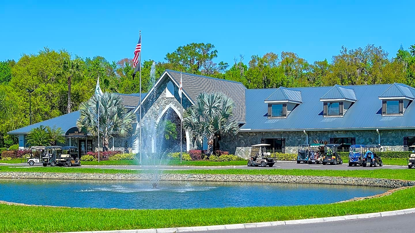 Apartments Near Southeastern The Hamptons Golf & Country Club for Southeastern University Students in Lakeland, FL