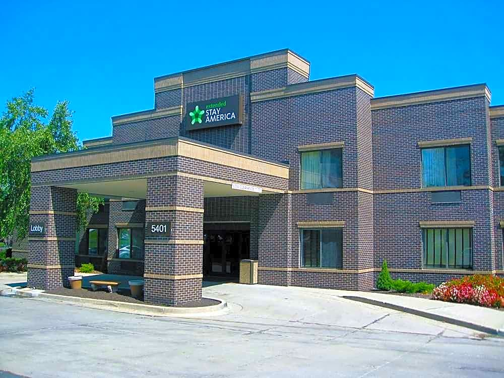 Apartments Near ITT Technical Institute-Kansas City Furnished Studio - Kansas City - Overland Park - Nall Ave. for ITT Technical Institute-Kansas City Students in Kansas City, MO