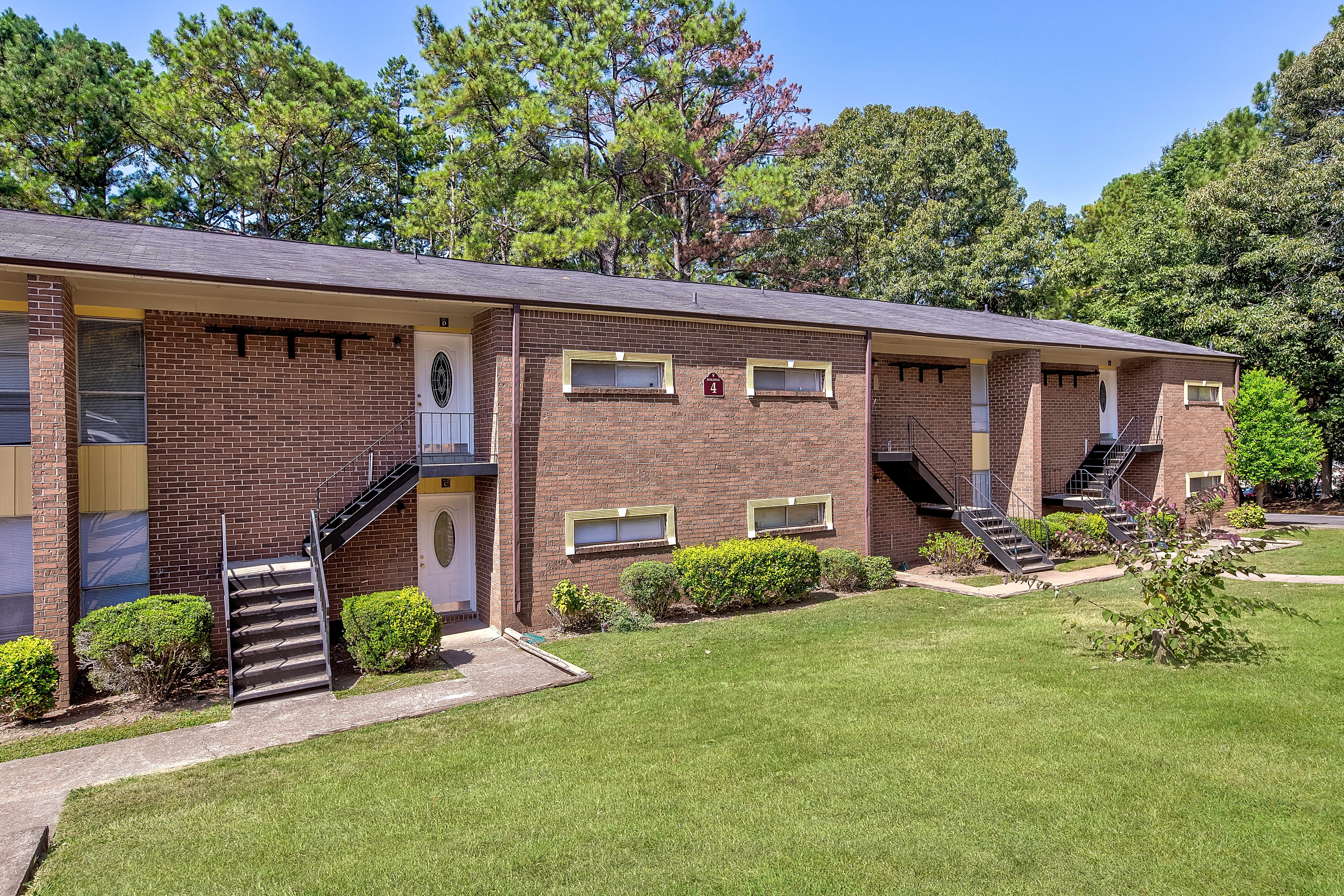 Apartments Near Clayton  State Regal Forest for Clayton  State University Students in Morrow, GA