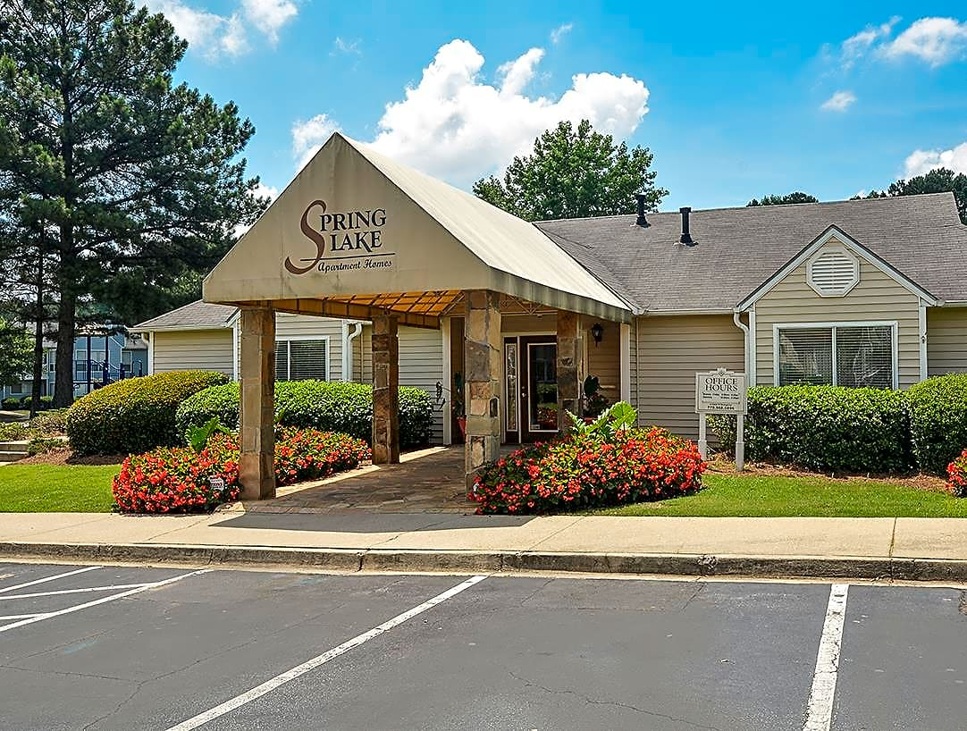 Apartments Near Clayton  State Spring Lake for Clayton  State University Students in Morrow, GA
