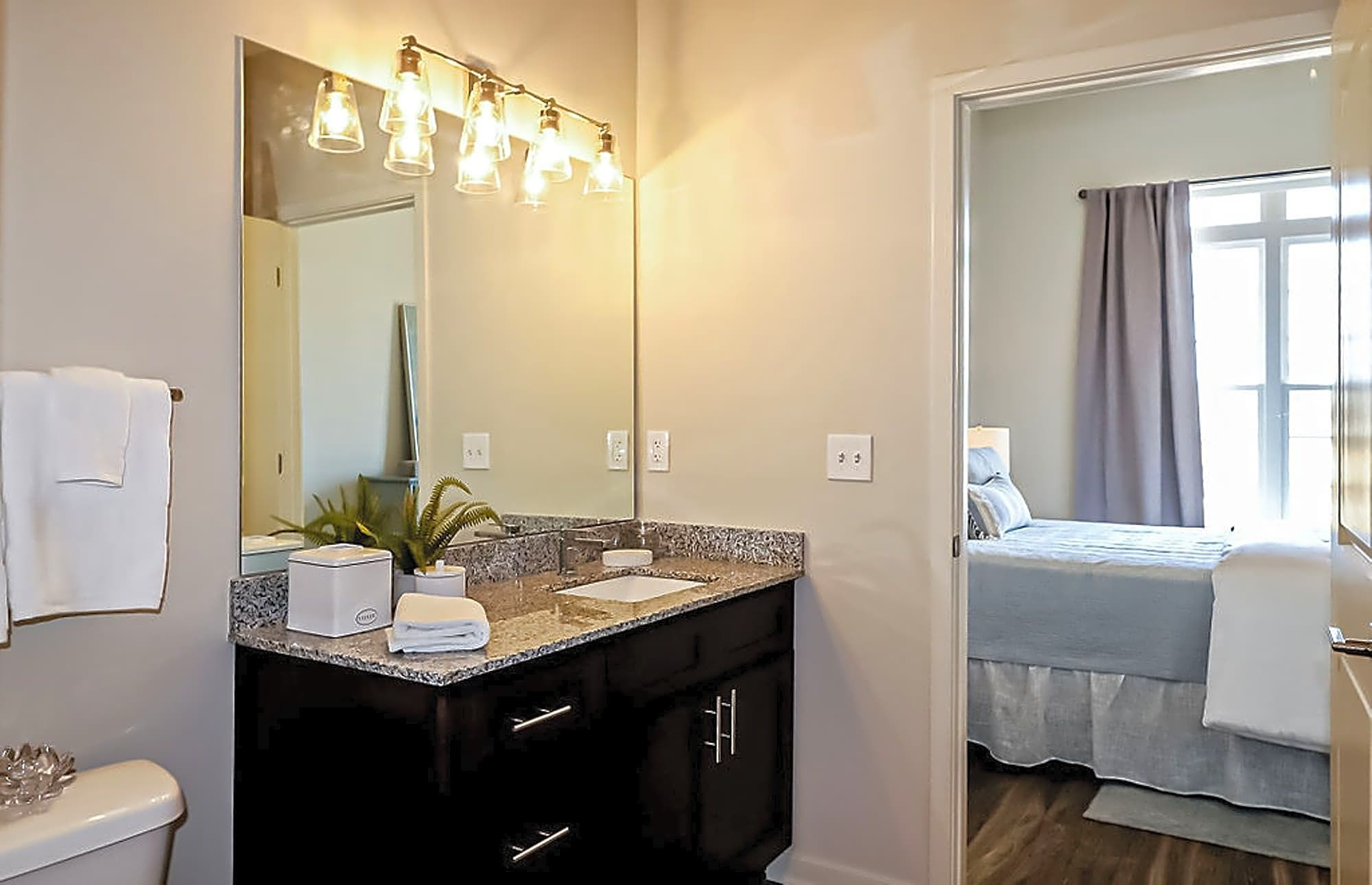 Apartments Near Mercer Station at River Crossing for Mercer University Students in Macon, GA