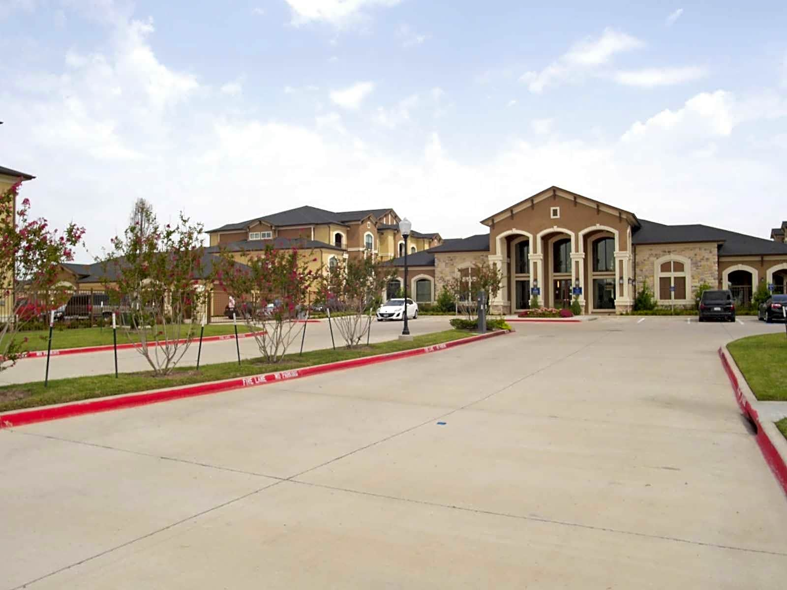 Dolce Living Burleson Apartments Burleson Tx 76028
