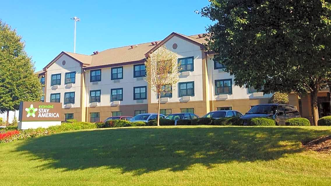 Apartments Near Lewis Furnished Studio - Chicago - Romeoville - Bollingbrook for Lewis University Students in Romeoville, IL