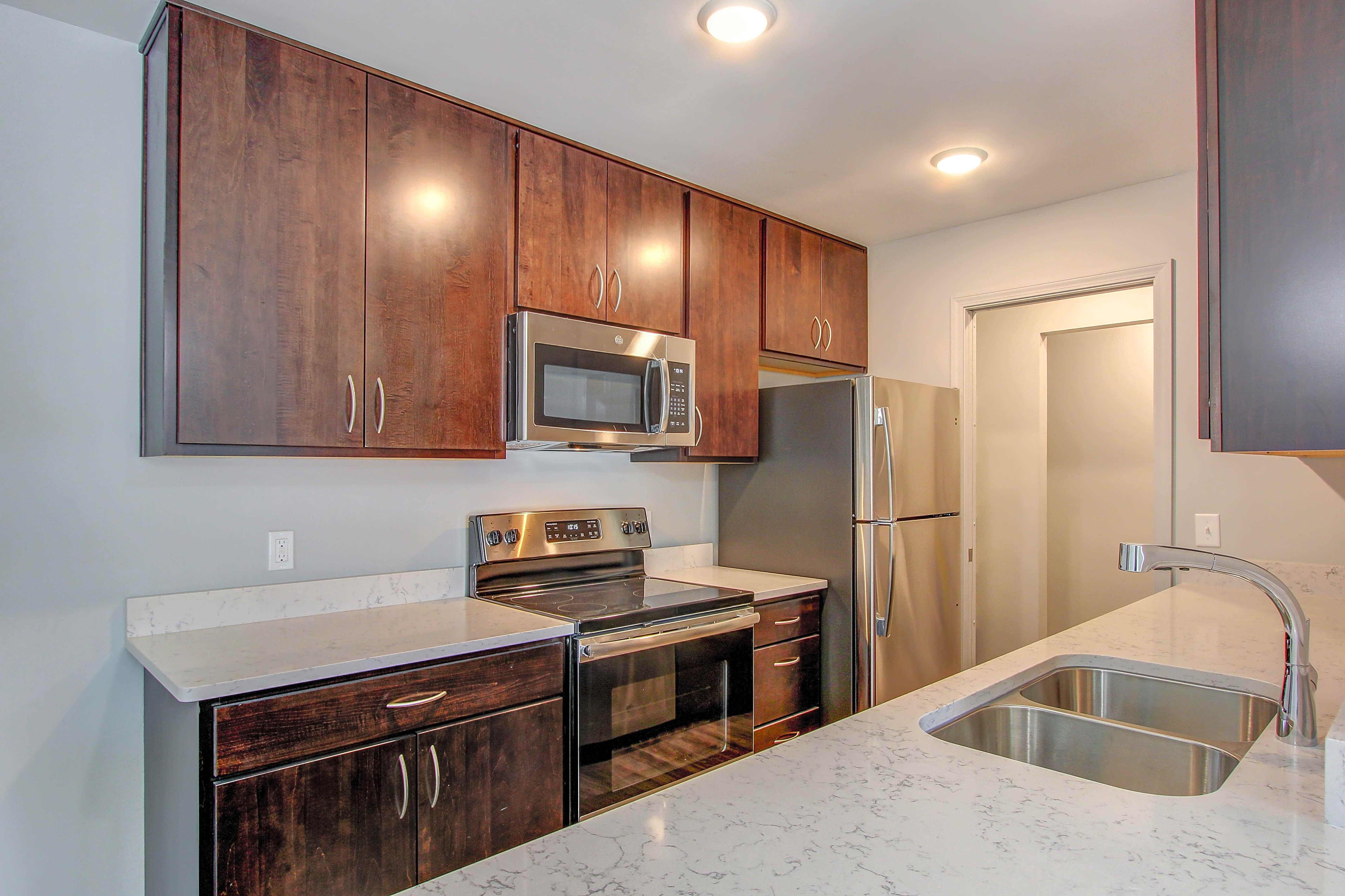 Apartments Near Lourdes Orchard Village for Lourdes College Students in Sylvania, OH