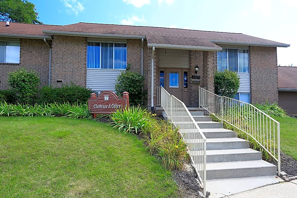 Leasing Office and Clubhouse; Kings Gate in Sterling Heights, MI