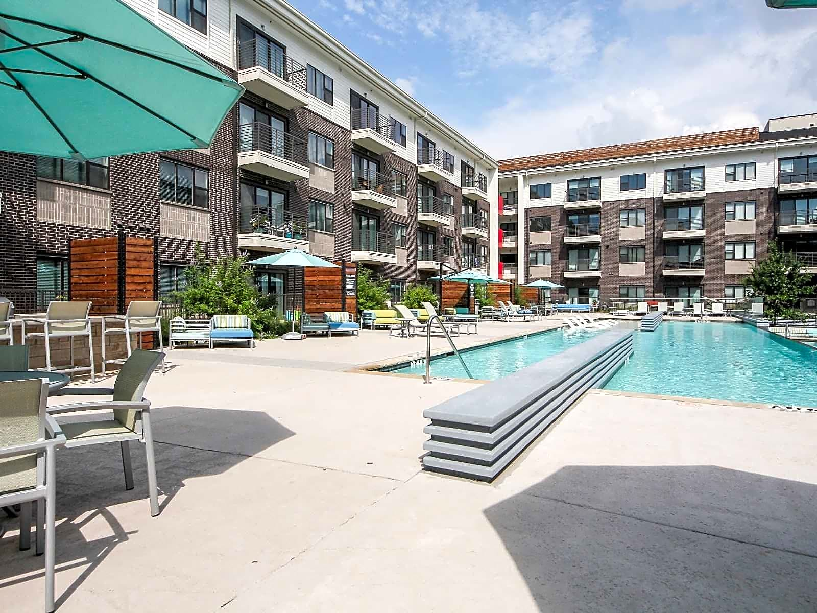 Apartments Near UT Dallas Axis 3700 for University of Texas at Dallas Students in Richardson, TX