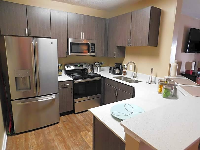Apartments Near Day Spa Career College Lagniappe of Biloxi Apartment Homes for Day Spa Career College Students in Ocean Springs, MS