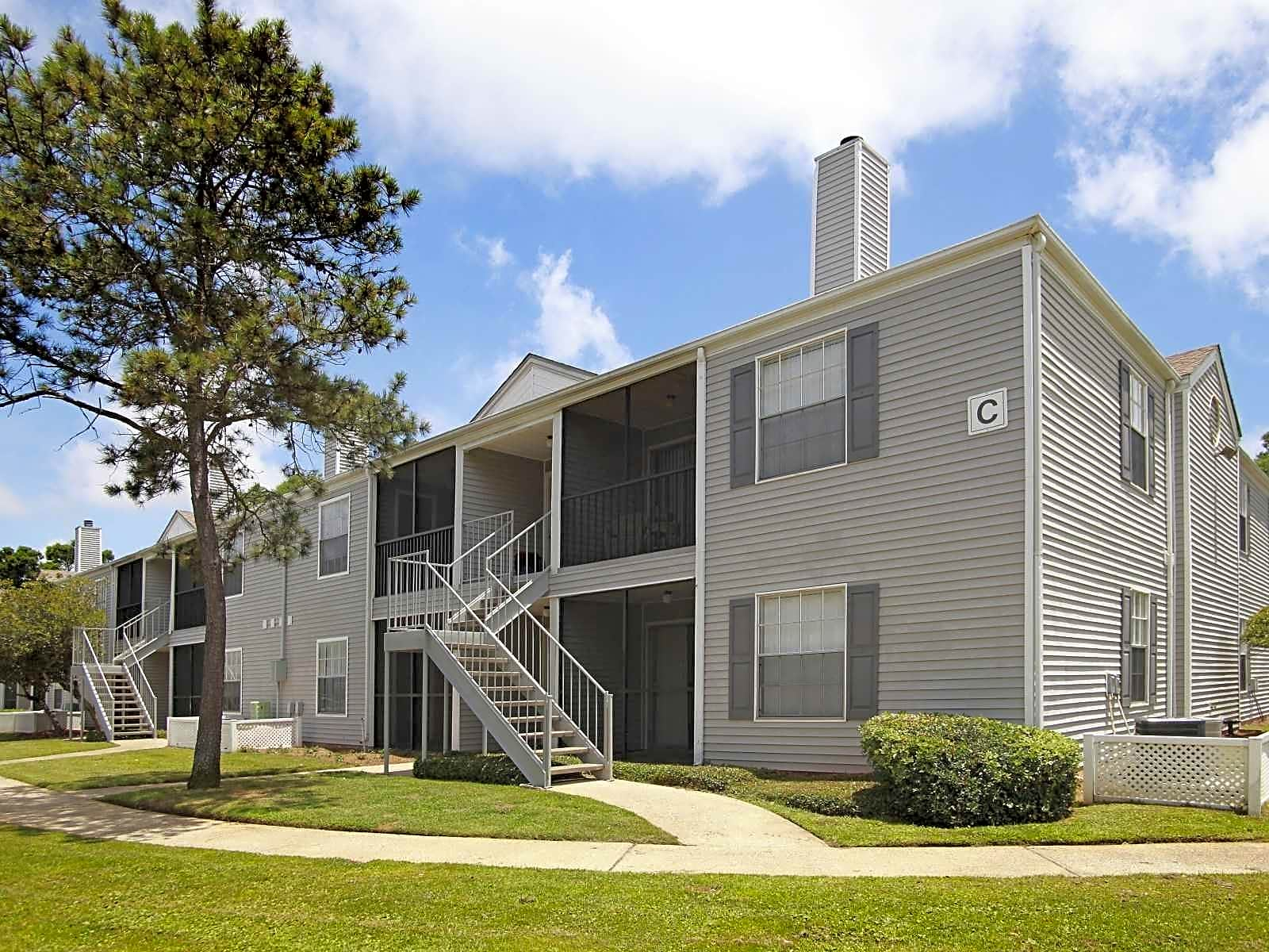 Apartments Near UWF Ashley Club for University of West Florida Students in Pensacola, FL